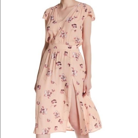 6e50e98e3 free press Dresses & Skirts - Blush floral dress from Free Press